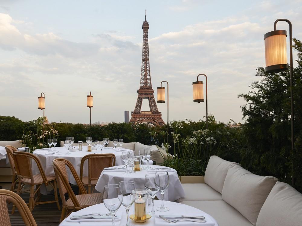 Luxury Restaurant in Paris