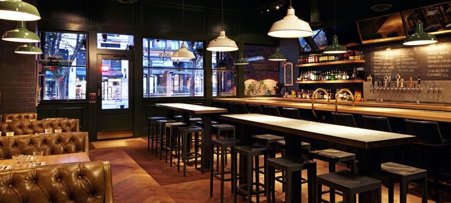 Beelman's Pub Restaurant Decor