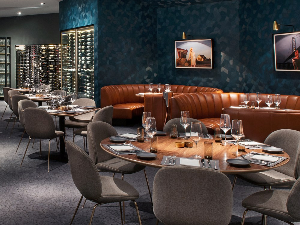 Swell Inspiring Modern Restaurant Interior Projects By Beleco Andrewgaddart Wooden Chair Designs For Living Room Andrewgaddartcom