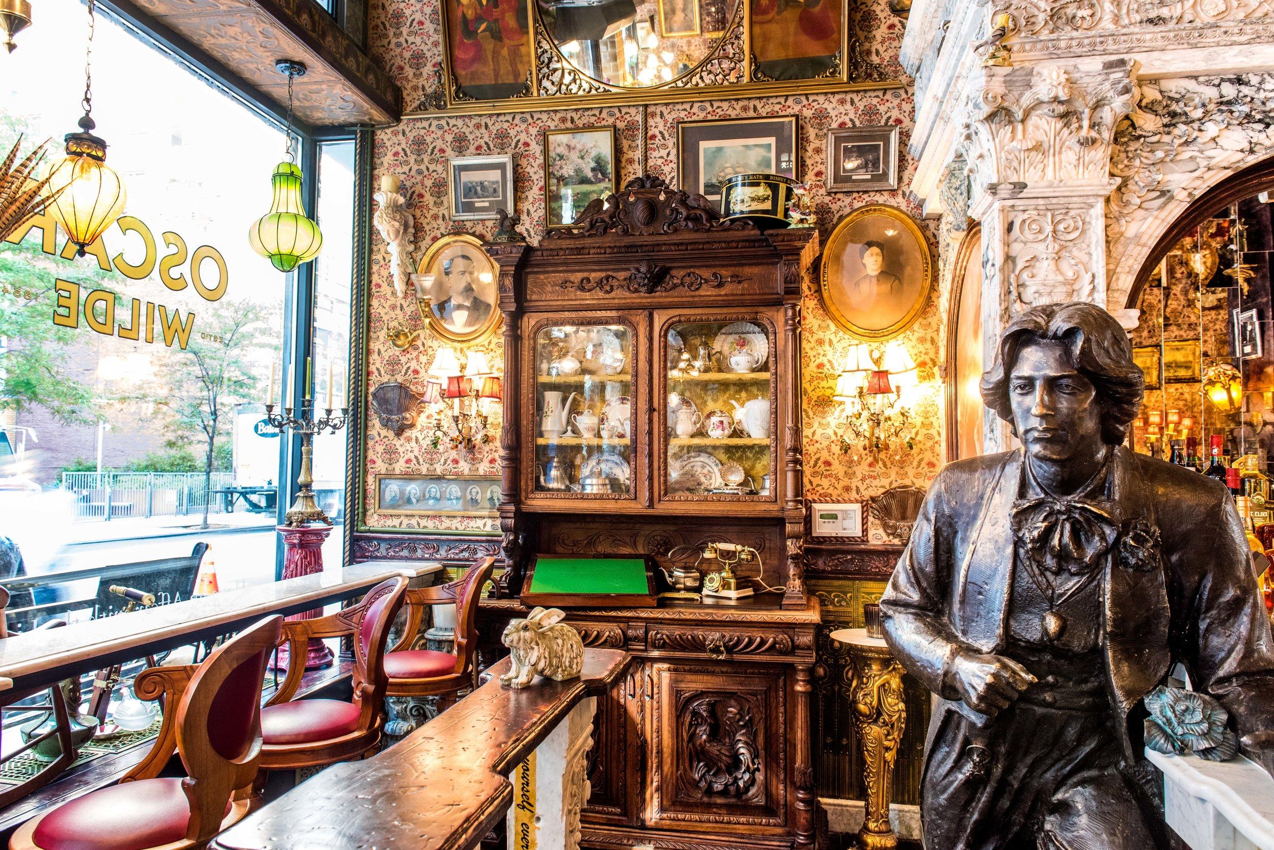 Oscar Wilde NYC Decor