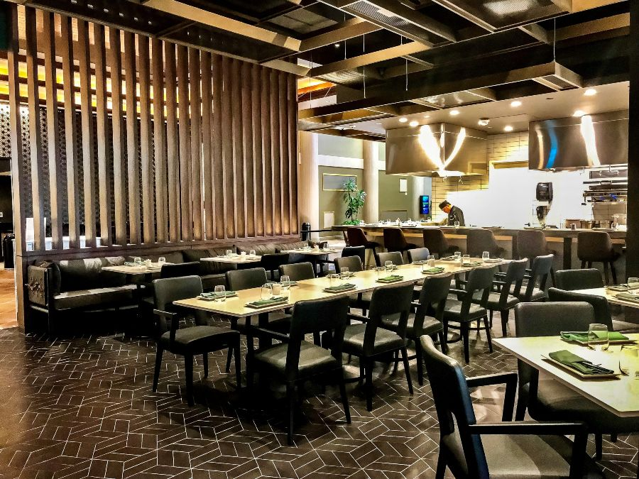 Jade Restaurant at JW Marriott Hotel: Dining With Inauspicious Design by Tandem Design Interiors